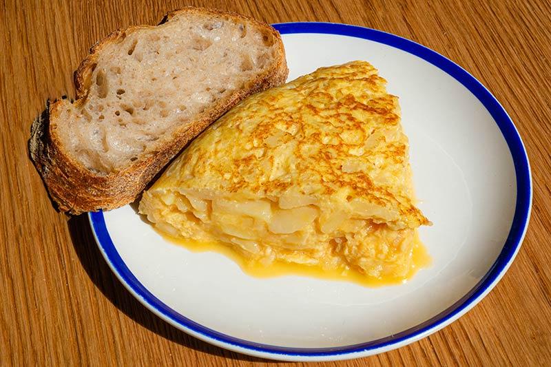 Spanish omelette in Madrid center Taberna El Fontán